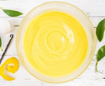 lait, sucre, jaune d'oeuf, citron, farine de blé