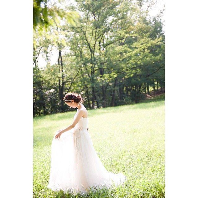 「* 自然光が眩しくて ドレスがキラキラしてるみたい 本当に大好きなドレス #前撮り #宝物 #後撮りもしたい #マツガシタさん #delaney #verawang #ヴェラウォン」