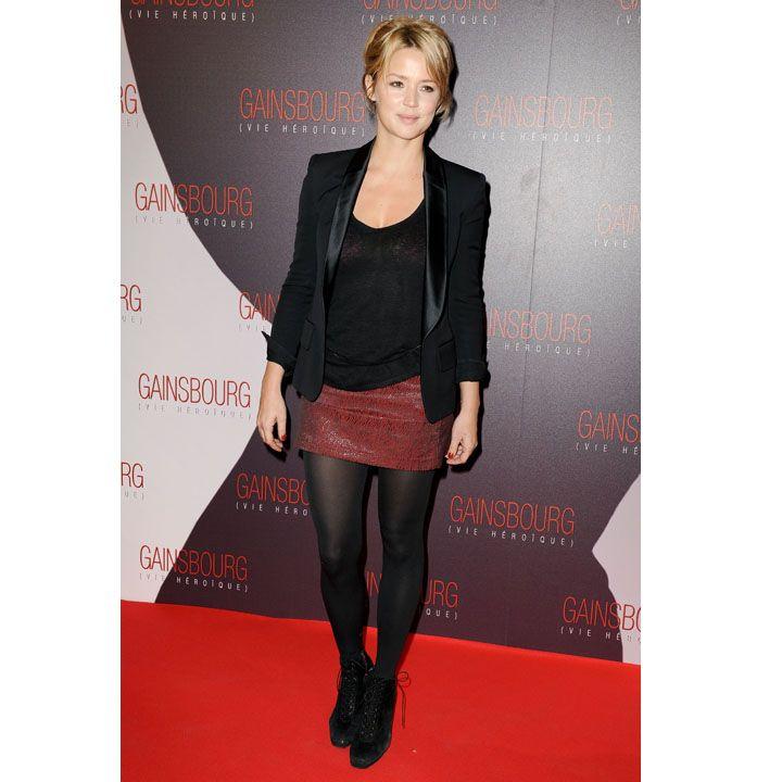 Outre le chignon haut style punk, miss Belgique s'habille aussi rockeuse sexy . - People - Plurielles.fr Virginie EFIRA