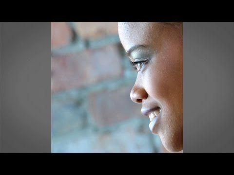 ▶ Angles of the Face : Posing and Lighting with Doug Gordon : Adorama Photography TV - YouTube