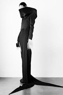 dress by Chinese fashion designer Qiu Hao