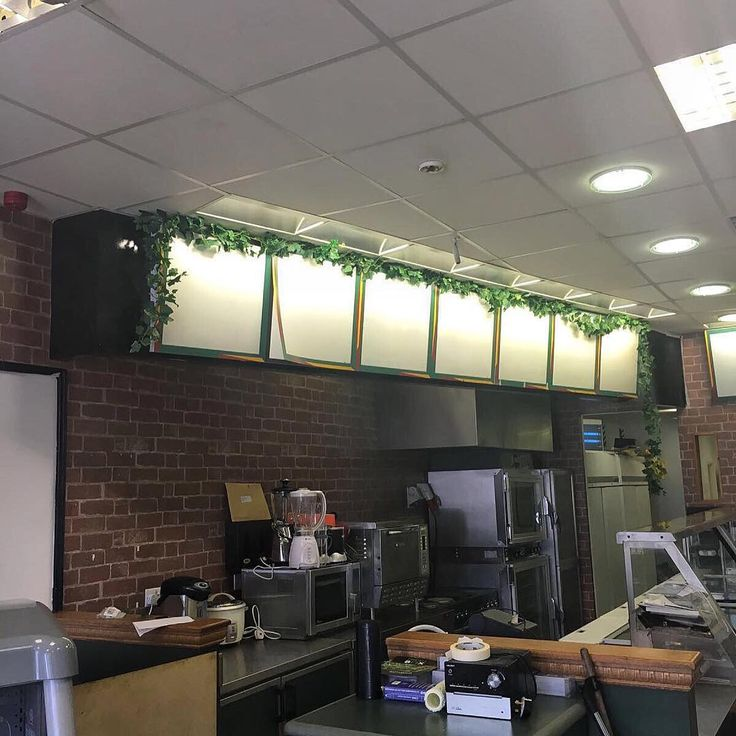 Just over 1 year ago we took over an abandoned subway store and transformed it into a healthy food restaurant. 365 days later we now have nationwide delivery and customers ordering our meals as far as Scotland!�� - Fresco Box�� - Innovating healthy eating 1 meal at a time! ������- #mealprep #fresco #healthy #1year #healthyfood #glutenfree #vegan #vegetarian #halal #fitness #diet #nutrition #progression #nationwide #healthyoption #awardwinning…