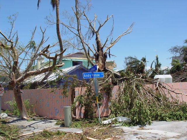 Damage on Captiva Island from Hurricane Charley  ttp://en.wikipedia.org/wiki/Captiva_Island