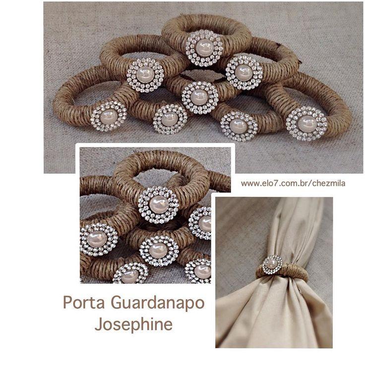 """""""Porta guardanapo Josephine. Com argola em fibra natural ,pérola e cristais de strass.  Ideal para casamento Rustic chic.  Encomende direto em nossa loja…"""""""
