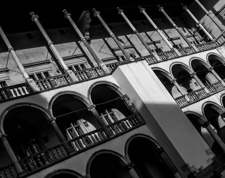 Wawel castle, Krakow Poland by ICU SHINE Photography