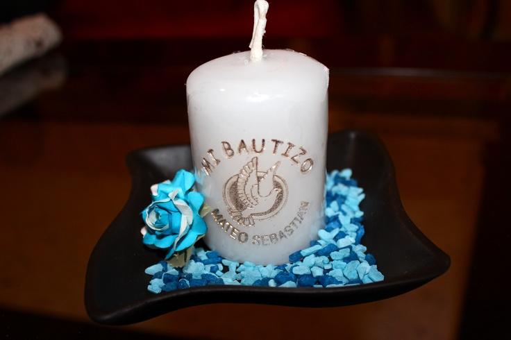 Recuerdo de bautizo con vela de 5x6 cm grabada, sobre base de ...