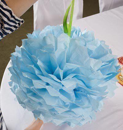 Интерьерные шары из гофрированной бумаги в качестве праздничного декора