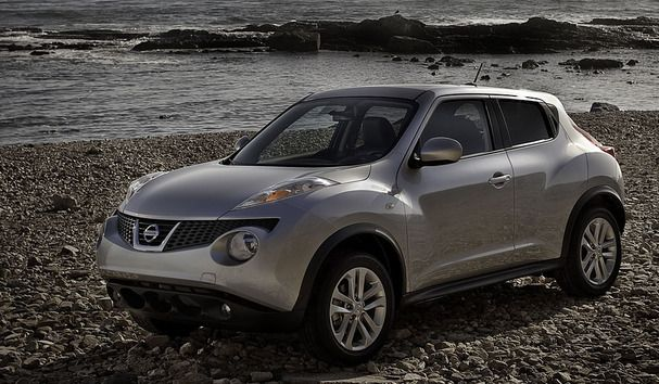2011 Gun Metallic Gray Juke SV - yupp..with the black leather and red console..perfection
