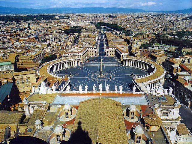 ローマ 少人数で行くバチカン市国+システィーナ礼拝堂半日ツアーの予約ならホットホリデー