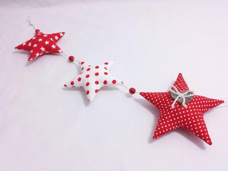 Weihnachtsdeko - Girlande rot Stern Stoff Landhaus Baumschmuck - ein Designerstück von Raum-aus-Stoff bei DaWanda