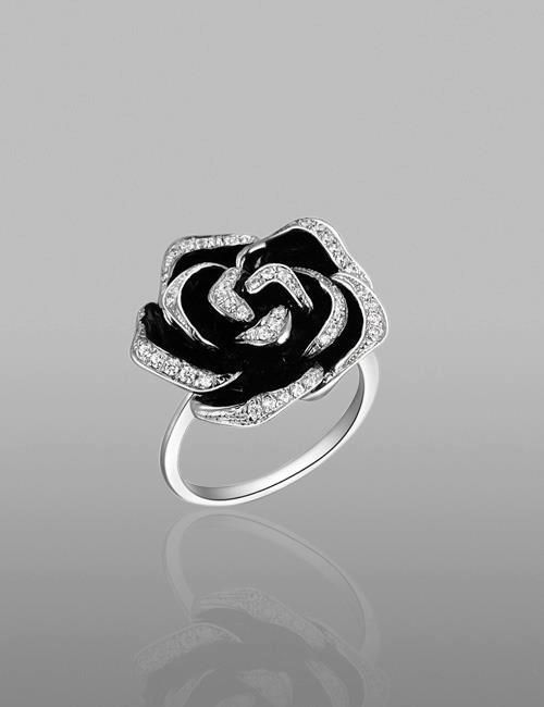 Black Rose <3 Similar ones for $10 at @SPARKTREND, click the image to see! #womens #fashion #jewelry #accessories