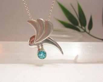 Zilveren hanger met blauwe topaas edelsteen van Karen Klein edelsmid