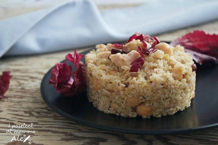 La Quinoa al radicchio e ceci è un piatto leggero, sano e appetitoso, ma, soprattutto, nutriente e può essere considerato come pasto unico.