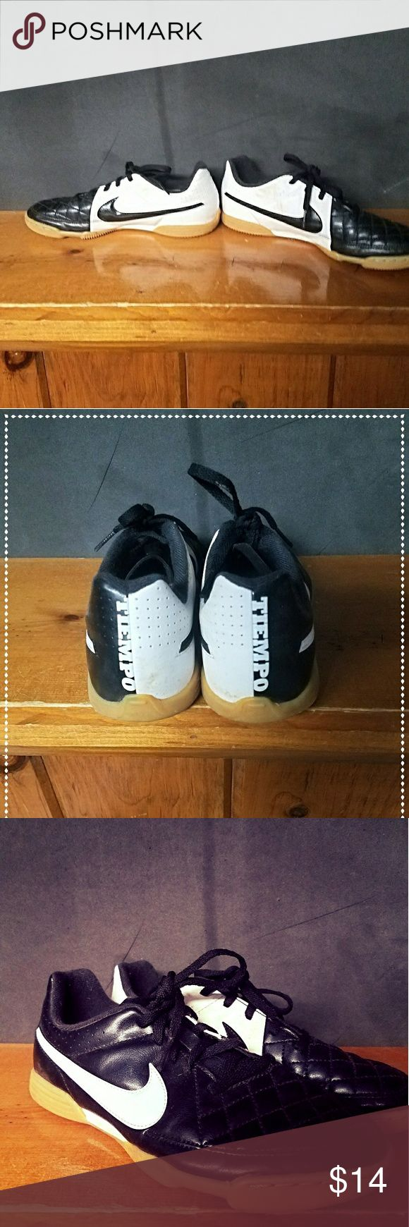 Youth Nike tiempo indoor soccer shoes Great indoor soccer shoes used for 3 games! Like new! Nike Shoes Sneakers