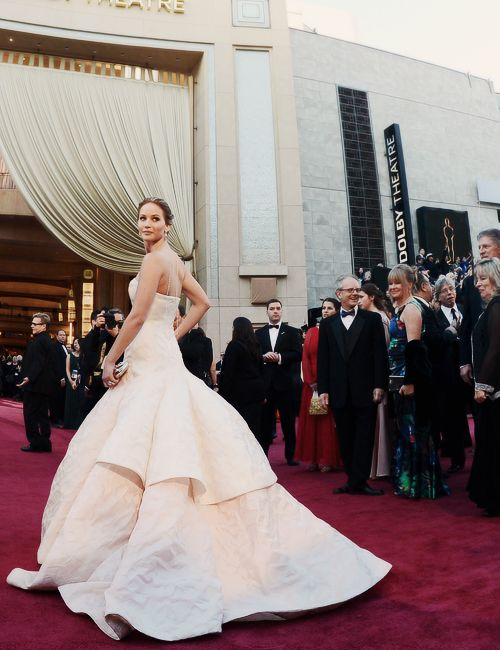 Jennifer Lawrence at the Oscars..as soon as I saw this dress I wanted it!!!! It was my favorite as soon as i saw her walk onto that red carpet!!!
