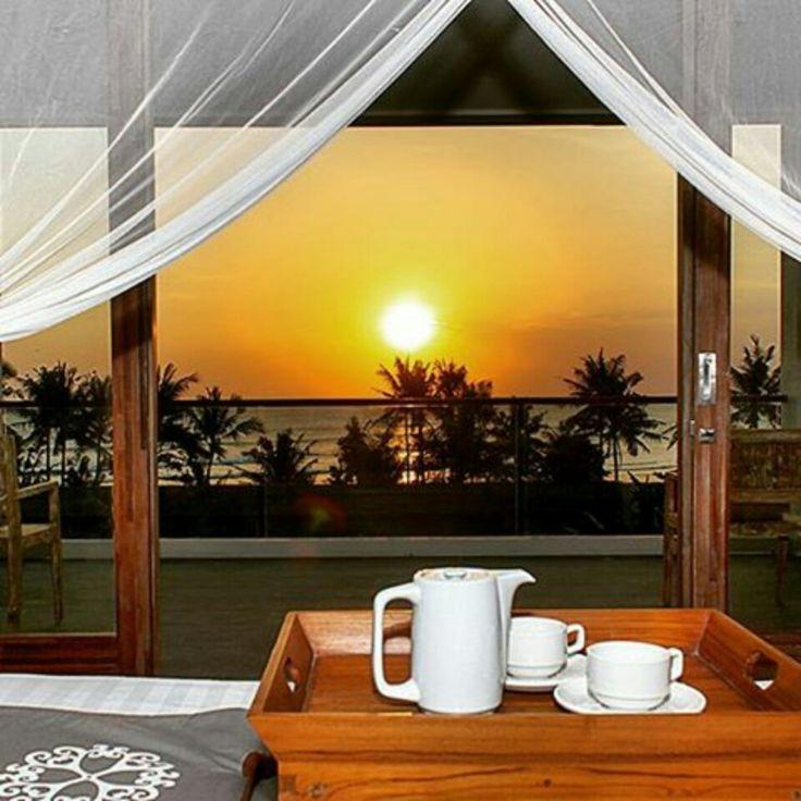 When the sunset coming 🌤 buff.ly/2qysyFo  #bali #canggu #seminyak #kuta #beautifuldestination #travel #vacation #balihoneymoon #luxwt #geriabali  #balibible #luxuryworldtraveler #trip #pinktrotters #holiday #honeymoon #beachfront #infinitypool #thegoldlist #earthpic  #villalife #wedding