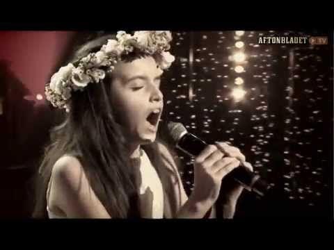 Angelina Jordan - I'll Be There (by Michael Jackson) on Swedish TV4 [Dec 2014] - YouTube