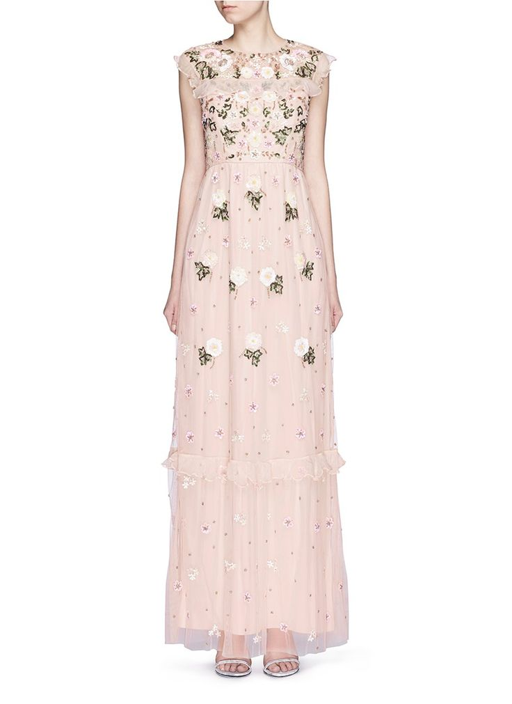 17 Dresses to Be The Guest of a Wedding Inspired on Red Carpets