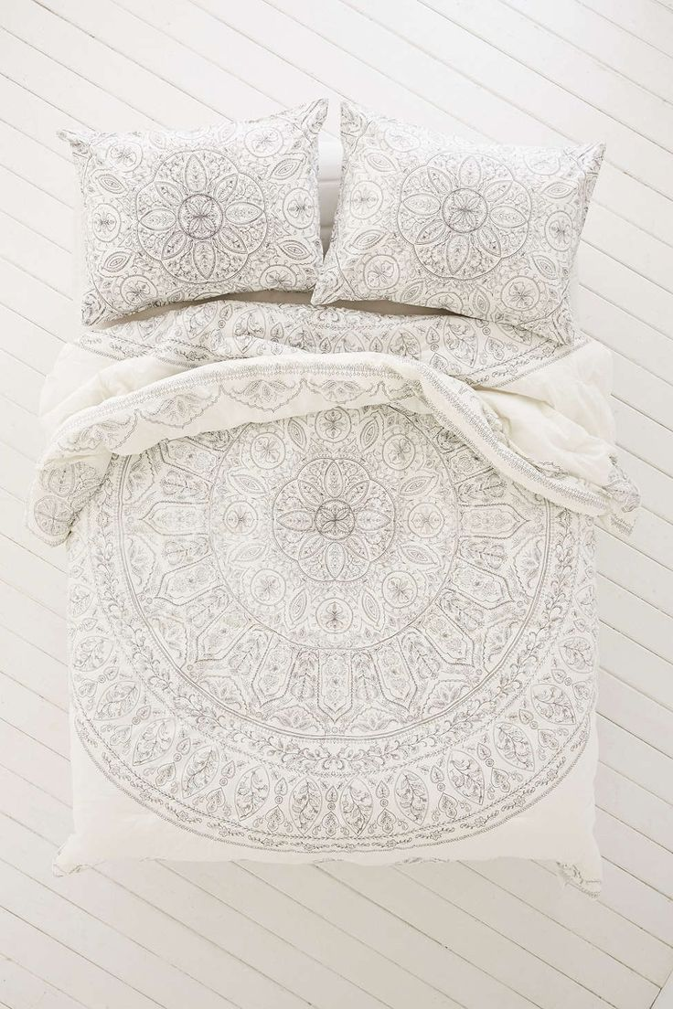URBAN OUTFITTERS Dark Grey Plum & Bow Soukay Delicate Comforter (210$)