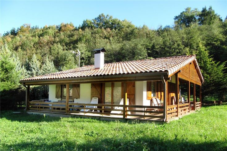 35 mejores im genes de casas de tejado inclinado donacasa for Tejados de madera casas