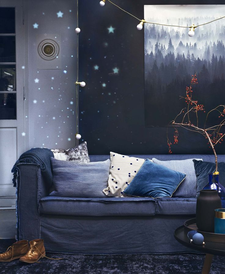 Diepblauwe woonkamer   Deep blue living room   Styling Anke Helmich   Fotografie Dana van Leeuwen   vtwonen feestspecial december 2015