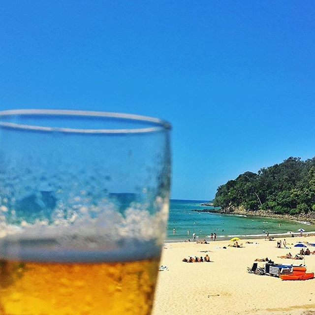 If only all afternoons ended like this! Enjoying the sunshine and views of Noosa Main Beach, as well as a cold beer from Noosa Surf Club is exactly what we'd like to be doing right now!