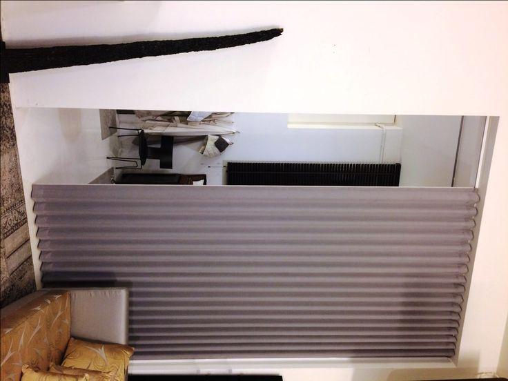 Pareti Tessili di Design Una Parete TessileFanoflex, in velluto grigio, installata nel nostro Showroom a Pesaro. Per toccare con mano la qualità e la durabilità del prodotto Fanoflex, unite ad un design moderno e funzionale.