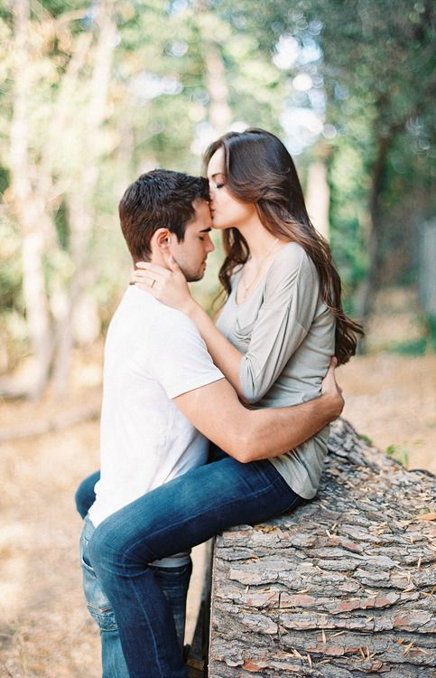 So Sweet Forehead Kiss--The Best Kind Of Love Is Perfectly -3734