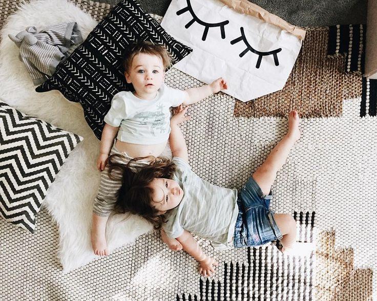 Εσύ δεν θες νταντά, οικιακή βοηθό θέλεις απλά δεν το ξέρεις. Η ζυγαριά γέρνει πάντα υπέρ της καθαριότητας του σπιτιού σου και όχι υπέρ του παιδιού σου.