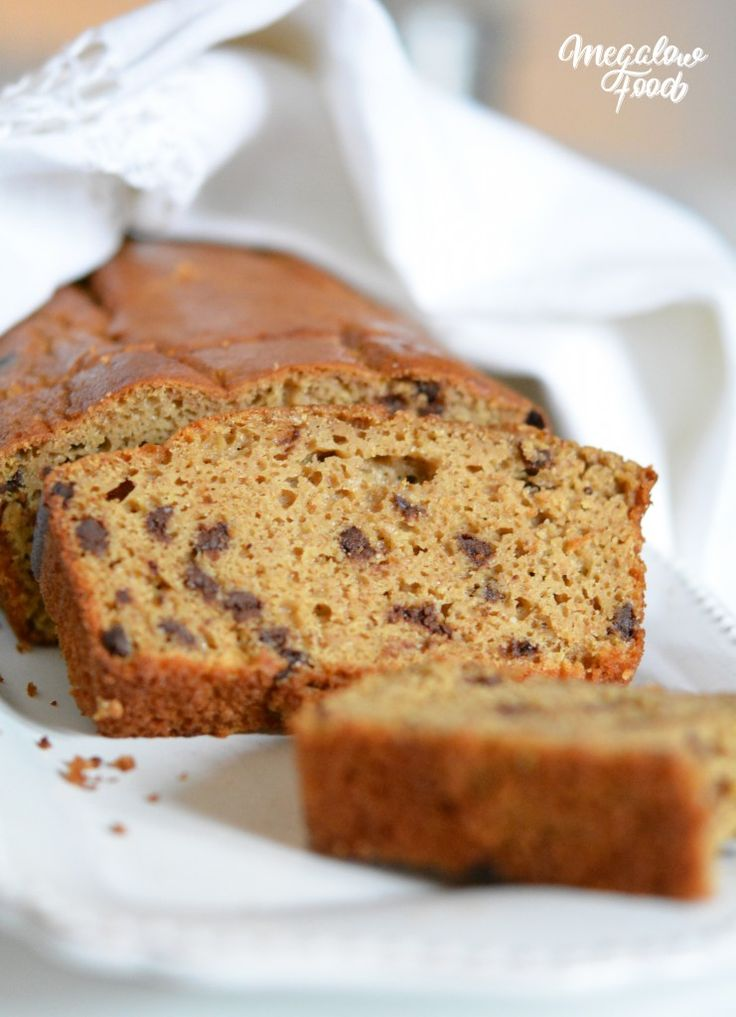 Cake moelleux à l'okara, vanille et pépites de chocolat (IG bas)