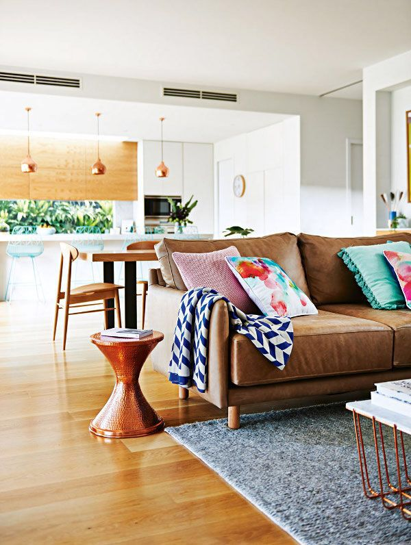 die besten 25 regal hinter der couch ideen auf pinterest wand hinter couch sofasteckdose und. Black Bedroom Furniture Sets. Home Design Ideas