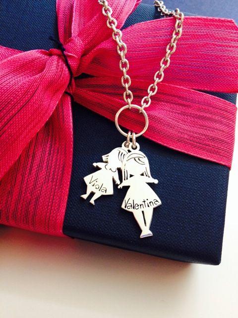 Le nostre creature... da portare sempre con noi! Collana in argento con due pendenti bimbe!