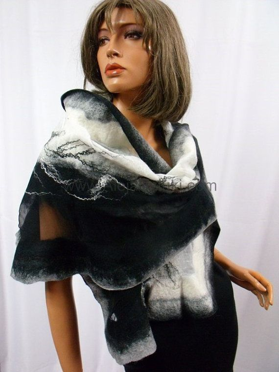 Hoi! Ik heb een geweldige listing gevonden op Etsy https://www.etsy.com/nl/listing/165852707/nuno-felted-merino-wool-big-shawl-cape