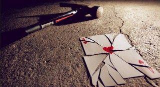 Ujian Cinta Jika cinta adalah burung,,  Maka kita tidak akan memiliki sayap,,  Jika cinta adalah langit,,  Kami akan berwarna biru,,  Jika cinta adalah paduan suara,,  Kau dan aku tidak pernah bisa bernyanyi,,  Penyebab cinta bukan untuk aku dan kamu,,  Dan sekar cinta adalah laskar,,   #Cinta #Cinta Sejati #Jatuh Cinta