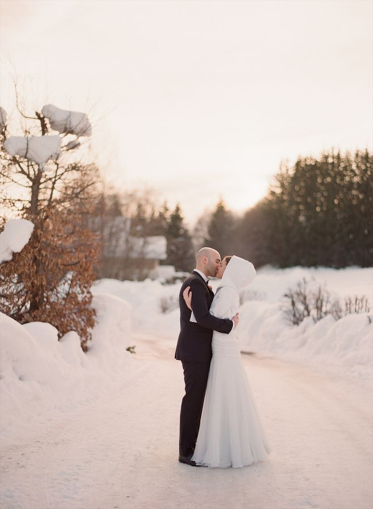 gorgeous #winter wedding  Photography: Aneta MAK - www.anetamak.com  Read More: http://stylemepretty.com/2013/10/11/megeve-france-winter-wedding-from-aneta-mak/