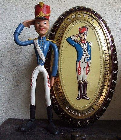 Kwatta soldaat, heerlijke chocolade. Ik herinner mij dat er zegeltjes op de verpakking zaten waarmee iets gespaard kon worden, chocola?