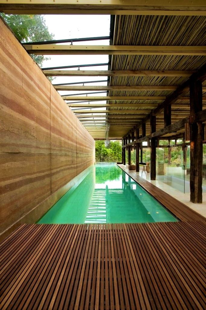 Best 25 lap pools ideas on pinterest backyard lap pools for Piscine miroir bali