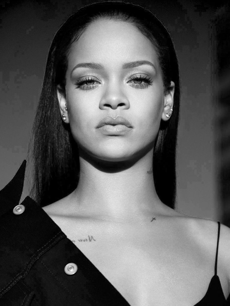 Rihanna|monochrome edit