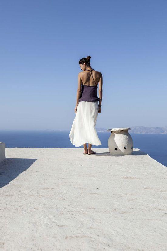 Δίας + Διώνη: Υψηλής ποιότητας χειροποίητα ρούχα και αξεσουάρ φτιαγμένα από Έλληνες τεχνίτες.