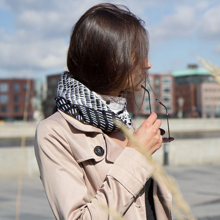 Silk scarf-calligraphy-accessories-fashion-Платок «Симфония»