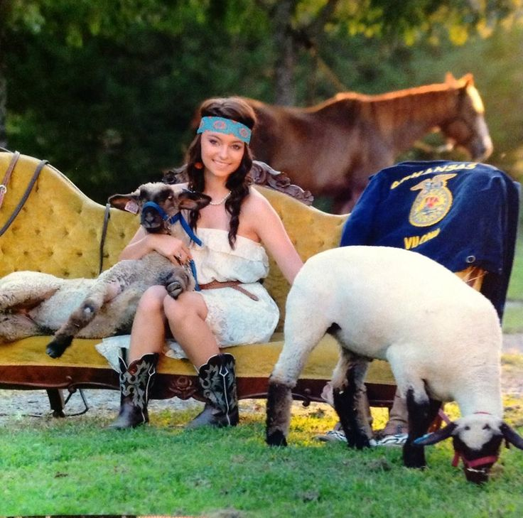 Senior Picture Ideas In The Country: Best 25+ Country Senior Pictures Ideas On Pinterest