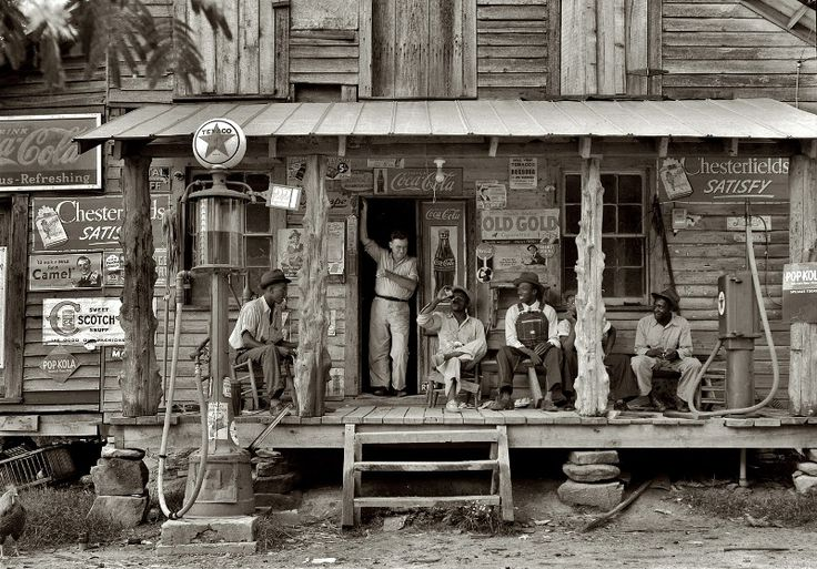What a great moment captured. 1939 North CarolinaOld Country Stores, Dorothea Lange, Historical Photos, 1939, Hard Time, Sunday Afternoon, Old Photos, Dirt Roads, North Carolina