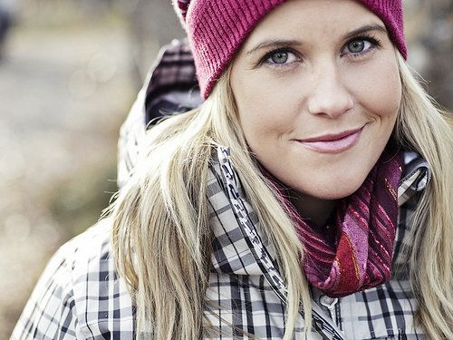 Sarah Burke - a Canadian sweetheart that ended in a terrible tragedy.  Rest in peace Sarah.  I admire the passion you have for your dreams <3