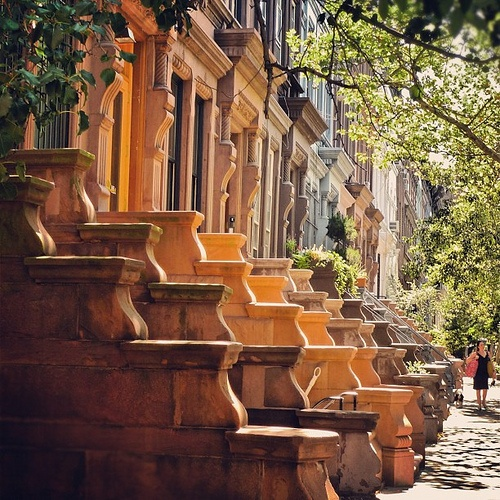 Upper West Side - NYC ---- looking for Carrie Bradshaw