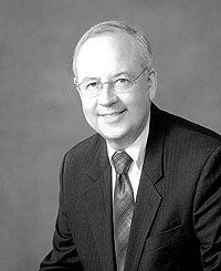 """Kenneth W. Starr.  High-powered cover-up artist.  Starr is supposedly a """"moralist"""" who went on a """"witch hunt"""" against the Clintons, who he couldn't quite manage to tie to any crime.  Later, he negotiated the extremely unusual sweetheart plea deal for convicted pedo, white slaver, and Clinton pal Jeffrey Epstein.  He also petitioned for leniency for Christopher Kloman, a 74-year-old retired teacher who pleaded guilty to molesting five female students over a period from 1966 to 1985."""