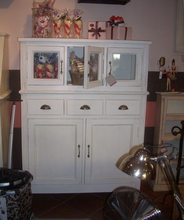 Credenza coloniale bianca decapata stile shabby chic