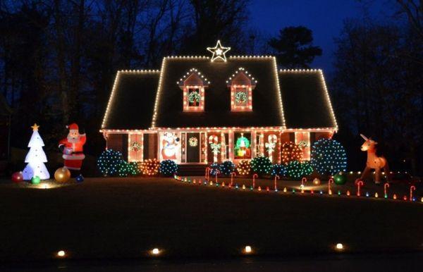 die besten 25 weihnachtsbeleuchtung au en ideen auf. Black Bedroom Furniture Sets. Home Design Ideas