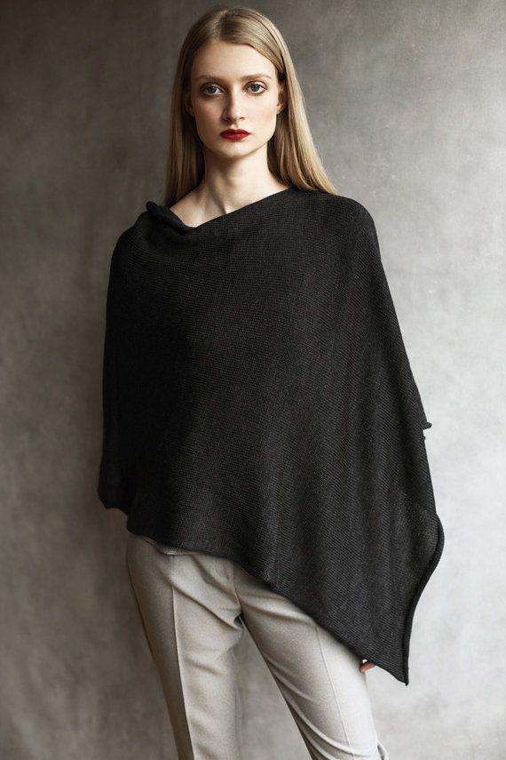 Lana merino lavorata a maglia Poncho scrollata di spalle, Cardigan, Cape, incorniciato a mano, fatto a mano, carbone di legna grigio