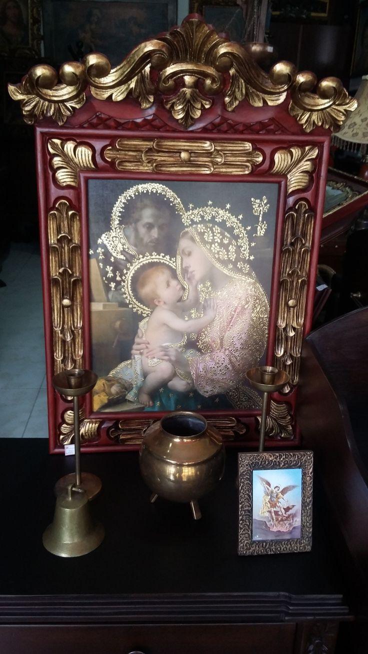 Lámina iluminada. Sagrada familia. marco talla en madera