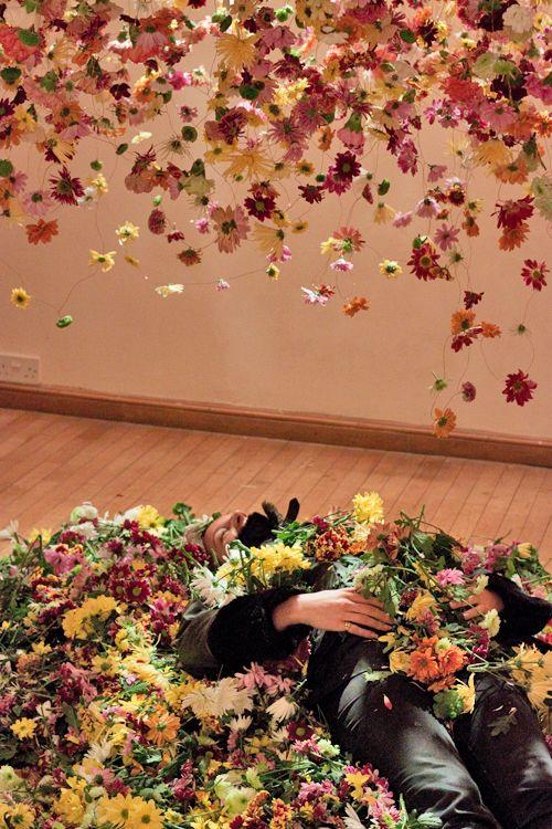Rebecca-Louise-Law-Floral-Installation-London-Exhibition-Feb-2014-Flowerona-1